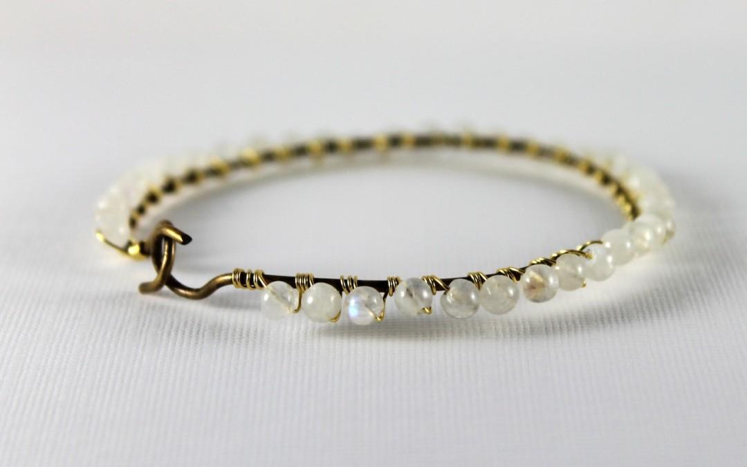 DIY – Gold Bangle with Gemstone Beads