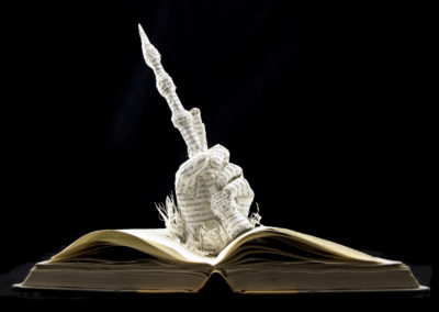 book-sculpture-harry-potter-and-the-deathly-hallows-below
